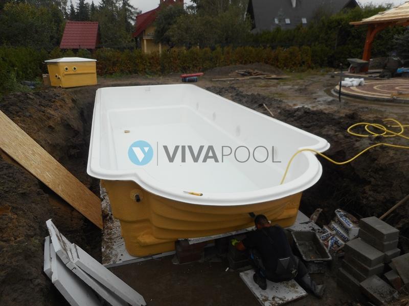 basen z rzymskimi schodkami vivapool baseny